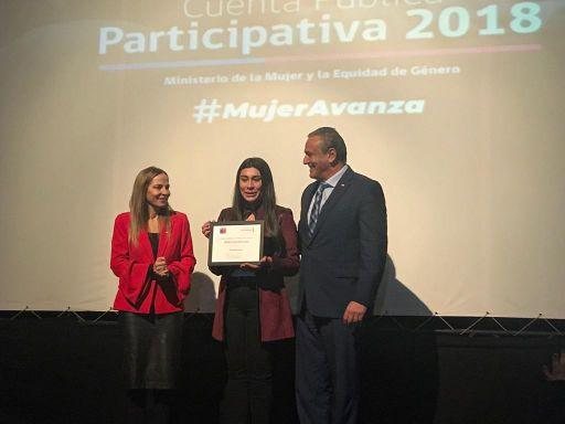 Ministerio de la Mujer y la Equidad de Género destaca a estudiante de Doctorado Mabel Vidal