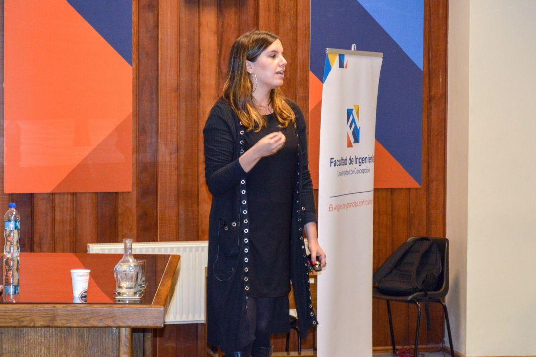 Ejecutiva de CODELCO realizó charla sobre programa para graduados