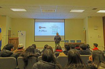 Docente del DIICC realizó charla a estudiantes secundarios
