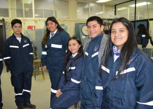 Iniciativa en Laboratorio de Hormigón de Ingeniería Civil benefició a 75 estudiantes de liceos TP