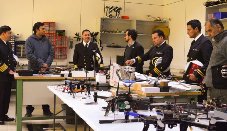 Oficiales del Arsenal Naval conocieron parte de las capacidades en ingeniería