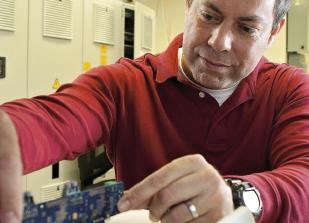 Rolando Burgos, Ingeniero UdeC, es nombrado profesor titular en Virginia Tech