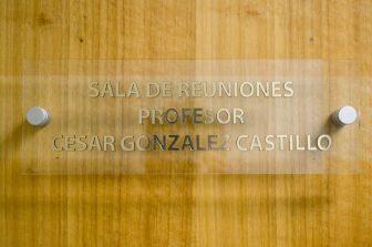 DIICC rebautizó su sala de reuniones en honor a docente César González (Q.E.P.D)