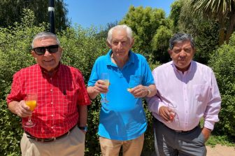 FI despide en almuerzo de camaradería a tres funcionarios que se acogen a retiro